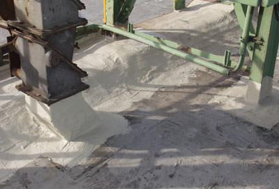 Flüssigkunststoffe, Flächenabdichtung, reaktiver Harz, elastische Abdichtung, rissüberbrückende Abdichtung, Bitumenbahnen, Kunststoffbahnen, Abdichtungssystem, Abdichtungsharze, Flachdächer, Balkone