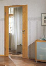 Türen, Glastüren, Innnenraumgestaltung, Holzfries, Tür, Glastür, Verglasung, Türblätter, Türgriffe, Türdrücker, Serientüren, Wohnzimmer, Küche, Glasfüllungen