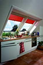 Dachwohnung, Dachwohnfenster, Überfirstverglasung, Küchen, Küchenzeile, Raumteiler