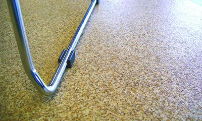 Bodenbeläge, ausrollbarer Bodenbelag, Holzboden, Böden, Trittschalldämmung, Kunststoffbeläge, Bahnenware, Versiegelung, Boden, Kunststoffboden, Holzgranulate, Recyclingmaterialien