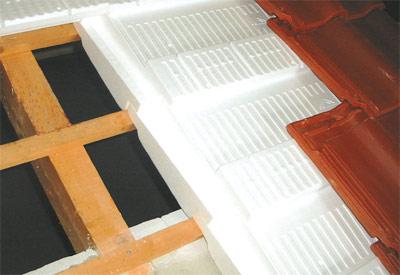 Dachdämmung, Aufsparrendämmung, Auflatten-Dämmung, Thermodach, Dachisolierung, Dämmebene, Wärmedämmung, Wärmebrücken, Kältebrücken, Bauschäden, Wärmedämmsystem, Sparren, Dachlattung, Thermoelemente, Dachziegel, Dachstuhl