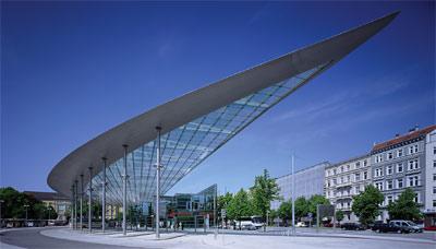 Verkehrsarchitektur, Public Design, Renault, Traffic Design, Parkhäuser, Brücken, Bushaltestellen, Architekten, Designer, Stadtplaner, Stadtbild, Citymaut