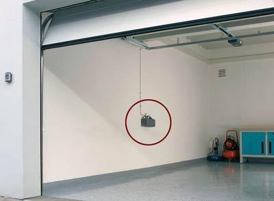 Garagentorantrieb, Automatik-Garagentor, Garage, elektrisches Garagentor, Torantrieb ProMatic Akku, Garagenhof, Garagenanlage, Garagenhöfe, Garagenbeleuchtung, Torverriegelung