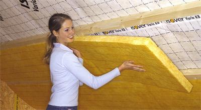 Dachisolierung, Dämmen, Dach, Dachdämmung, Dampfbremse, Wärmedämmung, Dampfbremsfolie, Dachausbau, Dämmung, Mineralwolle, Mineralwolle-Dämmung, Dampfdichtigkeit, Feuchteschäden, Schimmel, Klimamembranen, Steildach, Warmdach, Hinterlüftung