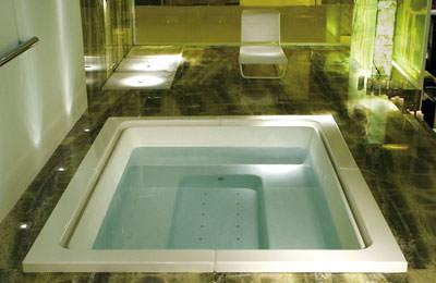 Whirlpool, Duschwanne, Mini-Whirlpool, Sanitärobjekte, großer Whirlpool, große Whirlpools für mehrere Personen, Ludovica Serafini, Roberto Palomba, Mehrpersonen-Whirpool, Whirlwanne