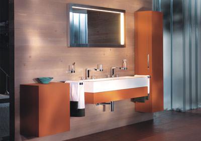 Badeinrichtung, Badmöbel, Accessoires, Spiegelschrank, Spiegelschränke, Badmöbel, Badezimmerspiegel, Einbaubad, Komplettbad, Armaturen, Waschtisch, wohnliches Bad, Lichtspiegel