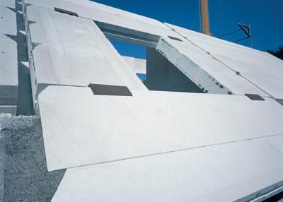 Massivdach, Porenbeton, massive Dachkonstruktionen, Gasbeton, Wärmeschutz, Schallschutz, Brandschutz, Energieeinsparverordnung, Dachgeschoss, Porenbeton-Dachplatten, Gewerbebau, Bürobau, Flachdach, Pultdach, Tonnendach, Dacheindeckung, Wärmedämmung