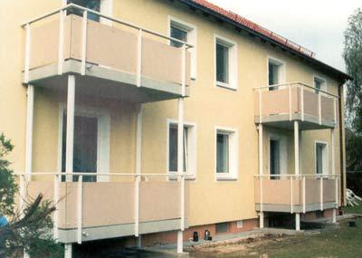 Modernisierung, Balkonanbau, Balkon nachträglich anbauen, selbsttragender Balkon, Balkongeländer
