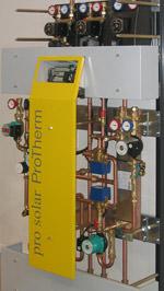 Solarthermie, Solarwärme, vormontiertes Solar-Komplettsystem, Pumpstation, Verrohrung, Elektro-Verkabelung, Warmwasserbereitung, Heizungsunterstützung