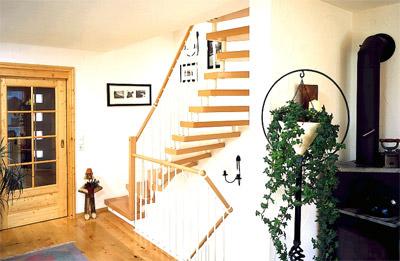 Laminattreppe, Laminattreppen, Treppe aus Laminat, Treppenbelag aus Laminat, Treppenbeläge aus Laminat, Treppenbau, Laminatdekor, Laminatdekore