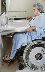 mit Rollstuhl unterfahrbarer Waschtisch, unterfahrbares Waschbecken