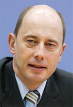 Bauminister Wolfgang Tiefensee, Bundesminister für Verkehr, Bau- und Stadtentwicklung, Bundesregierung, Aufbau Ost