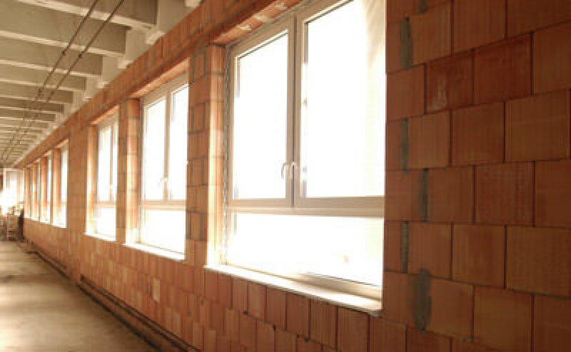 Mauerwerk, Ziegelmauerwerk, Asbest, Fassade, Komplettsanierung, asbesthaltige Wände, Wärmedämmung, Zusatzdämmung, Planziegel-Mauerwerk, Hochlochziegel, Stahlbetonskelett