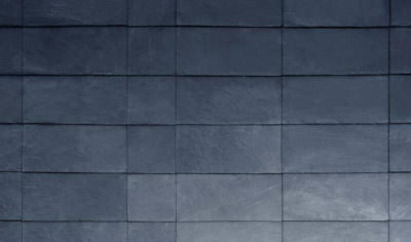 Schieferfassade, variable Rechteckdeckung, Schiefer, Fassadendeckart, Vorschnittdeckung, Natursteindeckung, Kreuzfugenverband, Schiefer, Architektur, vorgehängte hinterlüftete Fassade