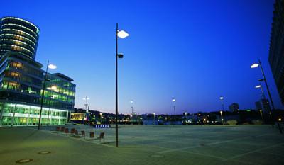 Mastleuchte,Außenleuchte, Straßenleuchte,  Mastleuchten, Straßenlampe, Außenleuchten, Werfer-Spiegel-Systeme, Sekundärreflektor, Straßenlampen, Straßenleuchten