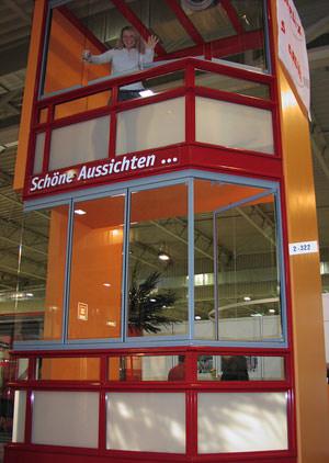 Balkonverglasung, Balkonbau, Balkonverglasungen, Balkonbau-Modulsystem, transparente Balkonverkleidung, Balkonneubau, Balkonsanierung, Balkonerweiterung, Vorhangfassade, Brüstungslemente, Verglasung, Balkongeländer