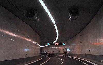 Light Pipe, Lichtlenkung, Lichtrohr, Lichtrohre, Lichttechnik, Lichtröhre, Lichtquelle, Lichtführung, Umlenkspiegel-Technologie, Lampen, Ausleuchtung, Lichtverteilung