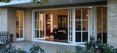 Terrassentüren, Terrassentür, Fenstertür, Terrassen-Tür-Elemente, Fenstertüren, Terrassen-Tür-Element, Hebe-Schiebe-Tür, Schiebekipp-Tür, Falt-Schiebe-Tür, Drehkipptür, Hebeschiebekipptür, Schiebekipptür, Faltschiebetür, großflächige Verglasungen