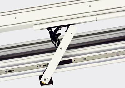 Fensterbeschlag für Oberlichter, Fensterbeschläge, Oberlichtfenster, Fenster mit Oberlicht, Drehkippfenster, Drehfenster, Kunststofffenster, Holzfenster, Fenstertechnik, Aluminiumfenster, Stahlfenster