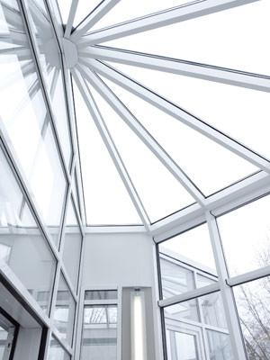Dachverglasung, Erkerverglasung, Pfosten-Riegel-Fassade, vorgehängte Fassade, Passivhausfassade, Fassadenprogramm, Pfosten-Riegel-Konstruktion, Vorhangfassade, Fassadenprofile, Verglasung, schlagregendicht