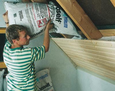 Dämmstoff, Schüttdämmug, Dachdämmung, Dämmstoffe, Dämmstoffschüttung, Dachdämmstoffschüttung, Wärmedämmung, Steildächer, Steildachdämmung, Sparrengefach, Schüttung, Dachgeschossdecke
