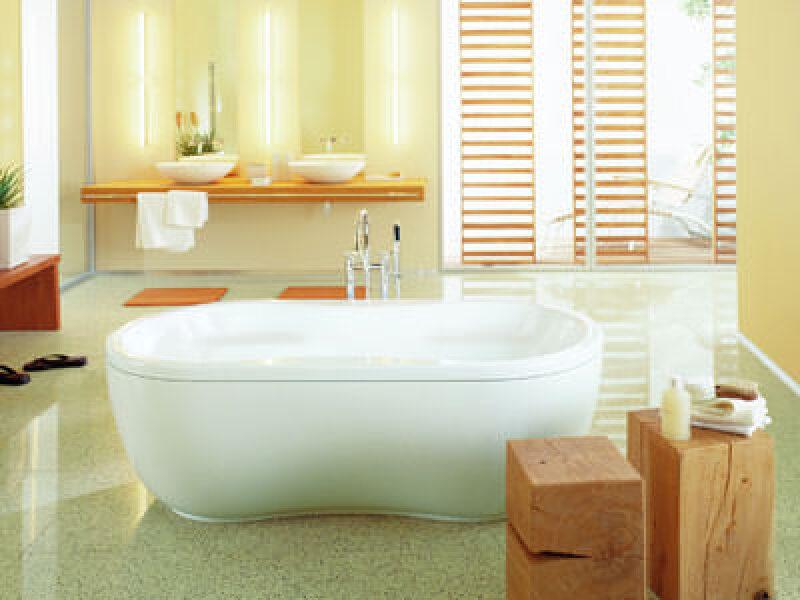 Baden, Duschen, Whirlen zu zweit, Badewanne, Dusche, Whirlpool, Körperpflege, Beziehungspflege, Wannenbad, Whirlbad
