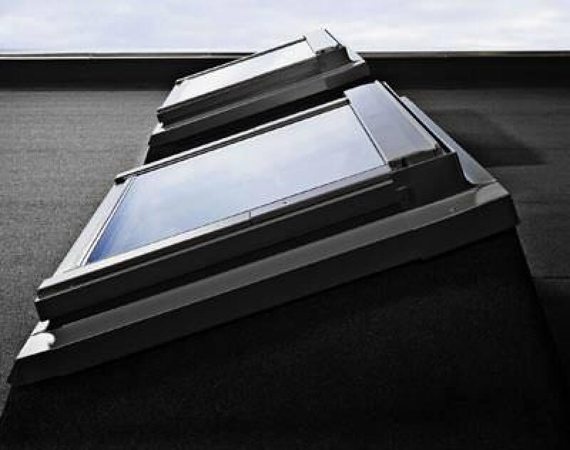 Flachdachfenster, Dachwohnfenster, Dachfenster, Alternative zur Lichtkuppel, Wohndachfenster, Flachdach, nicht geneigte Dächer, natürliches Tageslicht, Flachdach-System, herkömmliche Lichtkuppel, Flachdächer, Aufkeilrahmen