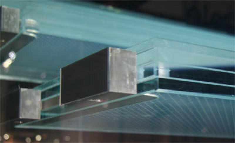 freitragende Glastreppe, Treppe aus Glas