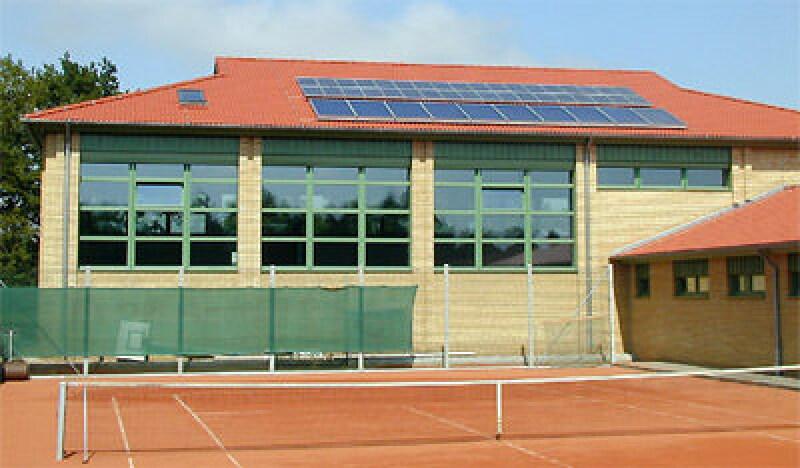 Pilotprojekt Passivhaus-Sporthalle, keine Wärmebrücken, energie projekte, Dämmung, Dreifachverglasung, Luftdichtheit, Energieverbrauch, Fensterrahmen