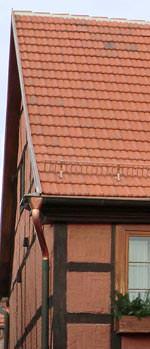 "Denkmalpflege-Dachziegel: ""Naturrot schwach reduzierter"" Reduktionsbrand-Dachziegel"
