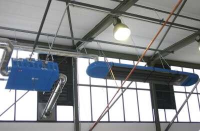 Die Restwärme der installierten Hallenheizungen wird über eine Sammelabgasanlage dem Wärmetauscher O.P.U.S.<sup>X</sup> zugeführt.