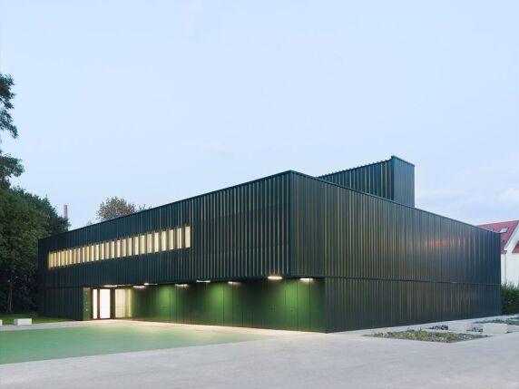 Einfeldsporthalle von schulz & schulz architekten (Foto: Werner Huthmacher)