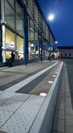 """Lichtsystem """"Lumera"""" für gepflasterte Flächen von den Betonwerk-Partnern Godelmann und Klostermann"""