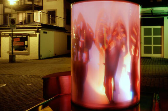 """""""Chlausebrunnen"""" (Küssnacht) von art light; Foto: HWP Architekten AG"""