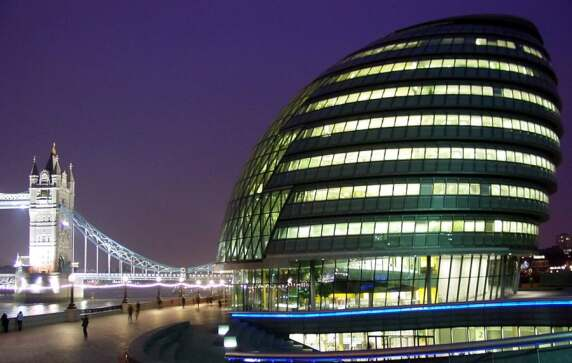City Hall in London von Foster + Partners (© Kyle Gradinger)