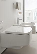 Spülrandloses Wand-WC im rechtwinkligen Design
