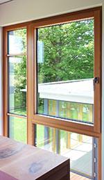 Aluminium-Holz-Fenster aus Gebirgslärche