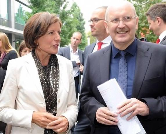 Rheinland-pfälzische Ministerpräsidentin Malu Dreyer und der Präsident der Architektenkammer Rheinland-Pfalz Gerold Reker