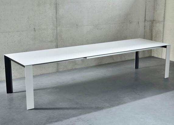 Soma Tisch von Kettnaker