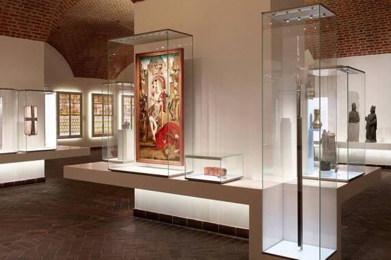Museen: Germanisches Nationalmuseum, Nürnberg (lichttransfer, büro für lichtplanung), Foto: Christoph Eyrich