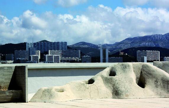 "Bildserie ""Marseiller Unité d'habitation"" von Claudia Brust"