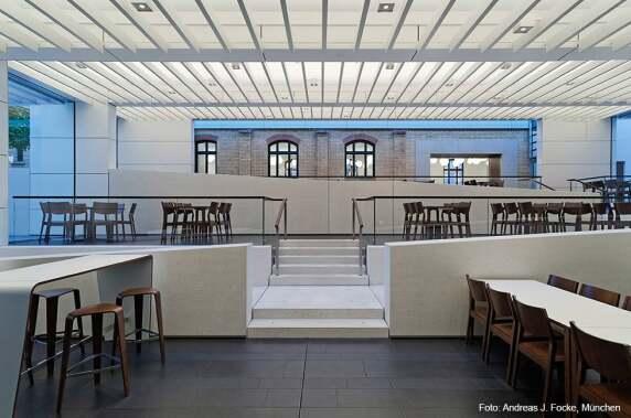 Büro & Verwaltung: WGV Casino und Alte Wache in Stuttgart (Pfarré Lghting Design) Foto: Andreas J. Fock
