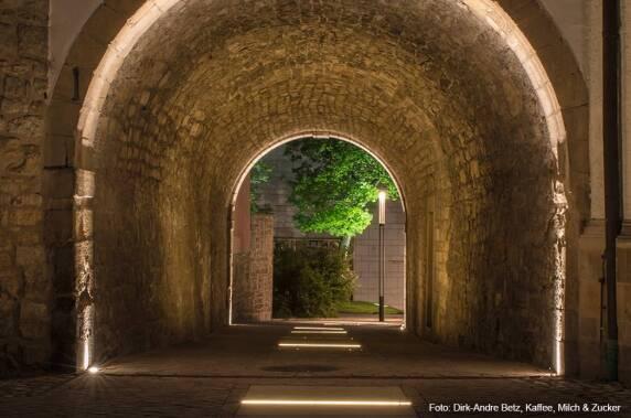 Außenbeleuchtung / öffentliche Bereiche: UNESCO Welterbeband (Dynamisches Licht | Studio DL) Foto: Dirk-Andre Betz
