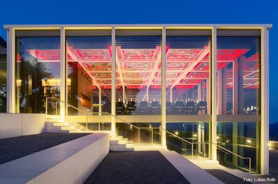 Hotel / Gastronomie: Restaurant Drachenfelsplateau (Licht Kunst Licht AG) Foto: Lukas Roth