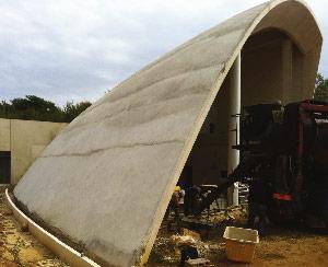 Halbkuppeldach aus Beton