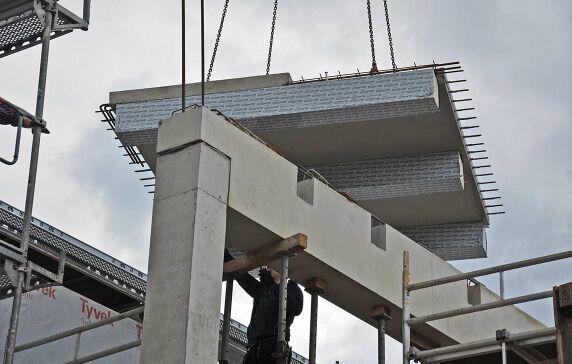 Bauteilschutz: Das Holz der Hybriddecken wird ebenfalls ab Werk mit einer Folie geschützt.